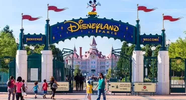 Walt Disney  – Un ținut magic unde dorințele pe care ți le pui când vezi o stea căzătoare se îndeplinesc